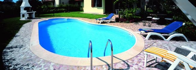 Offerta piscine interrate busatta civetta vendita piscine for Busatta piscine opinioni